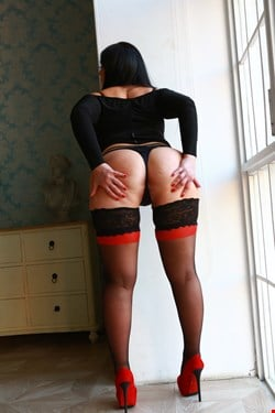 Escort Oslo, Rushna, escort Oslo | 26 year old Female escort